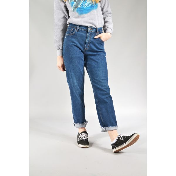 LEVI'S Distressed High Waisted Raw Cut Hem Mom / Boyfriend Ankle Grazer Jeans